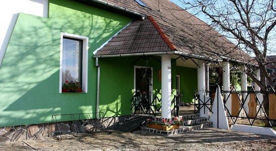 Kassay Inn