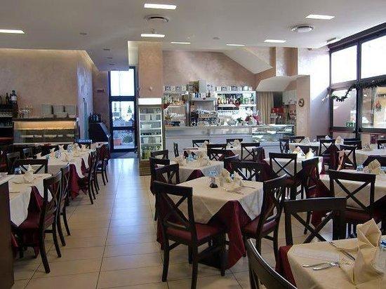 Interno del ristorante c bassa picture of ristorante for Casalecchio di reno bologna hotel