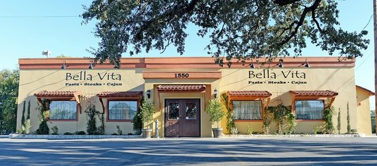 Bella Vita Country Italian