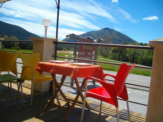 Le Relais de l'Artuby : vue de la terrasse