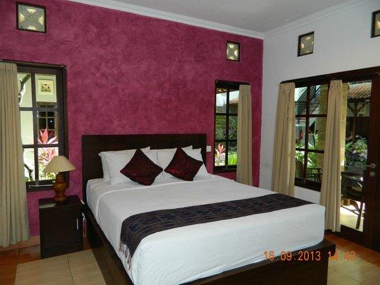 Puri Sading Hotel: deluxe double room
