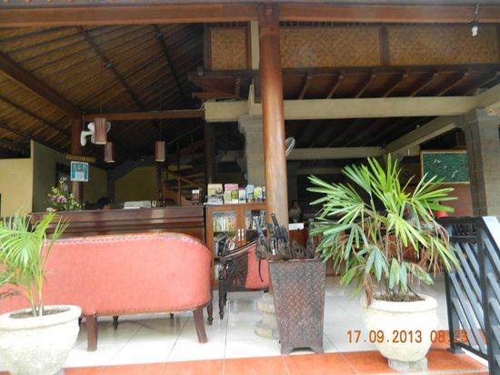 Puri Sading Hotel: reception