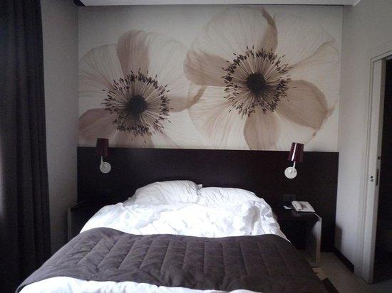 Hotel Manin: le lit, coincé entre quatre murs