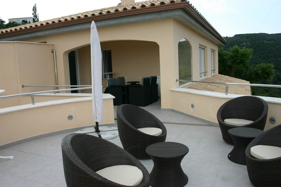 Casa-Marly Bed & Breakfast: Terrasse panoramique et terrasse couverte