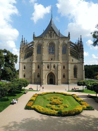 Cathedral of St. Barbara: linda e gotica