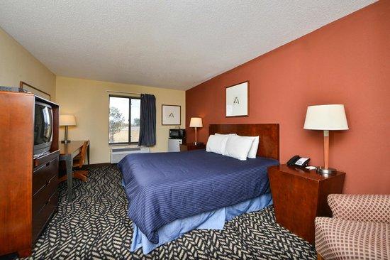 Americas Best Value Inn Morton/Peoria: King Bedroom