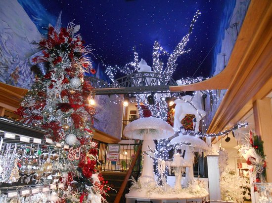 Christmas Decorations In Pigeon Forge Tn : Christmas decor spode teapot ornaments picture of