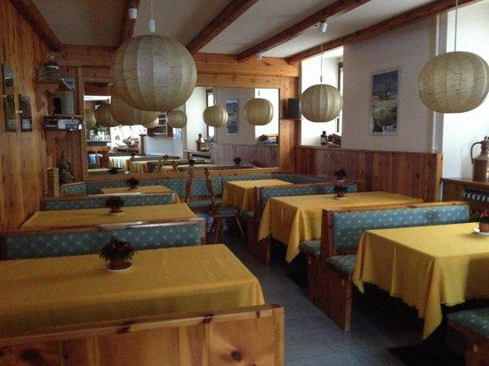 Sala colazione bar foto di b b meuble dante bormio for B b meuble dante bormio