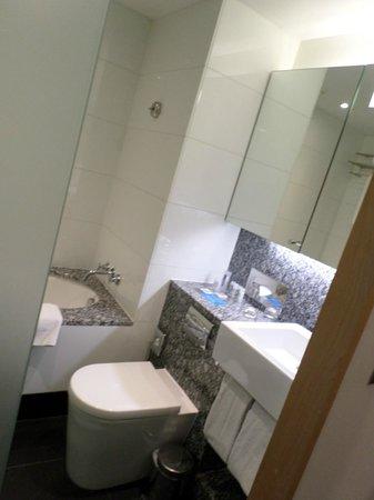 Park Plaza County Hall London: Bathroom