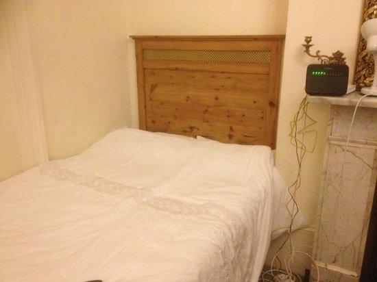 Ealing Green B&B: decent bed