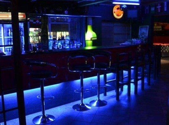 Pitstop KZN: cocktail bar