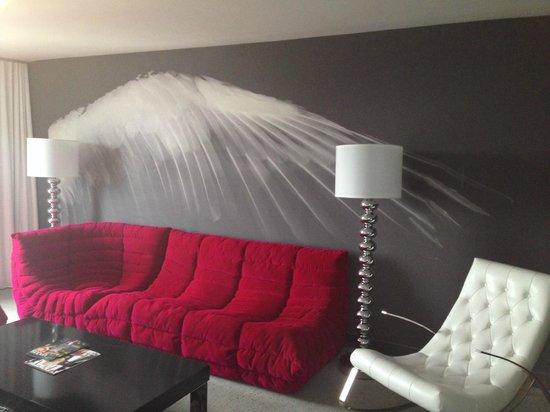 Palms Casino Resort : Modern Living room