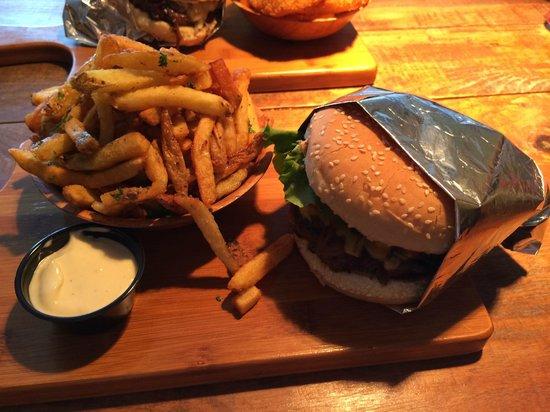 Baldwin Street Burger : Burger and fresh cut fries