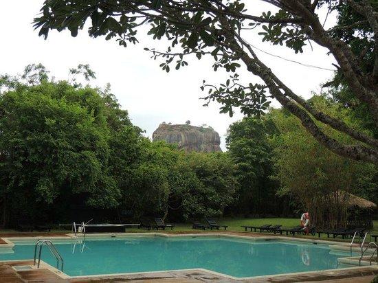 Sigiriya Village Hotel : View from the breakfasttable