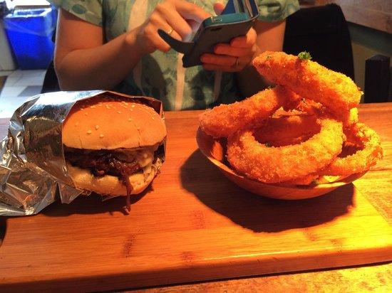 Baldwin Street Burger : Burger and homemade onion rings