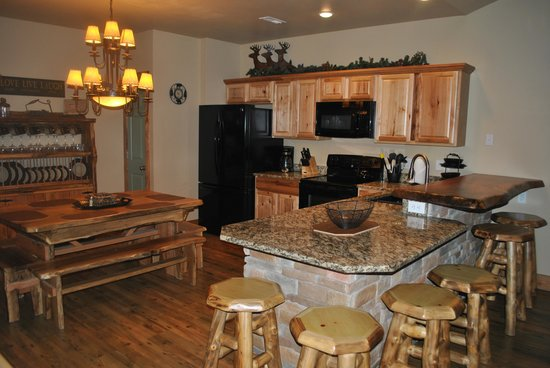 Vickery Resort On Table Rock Lake: Well apointed kitchen with everything you need