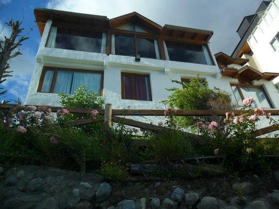 Costas del Nahuel Hosteria: parte trasera del hotel