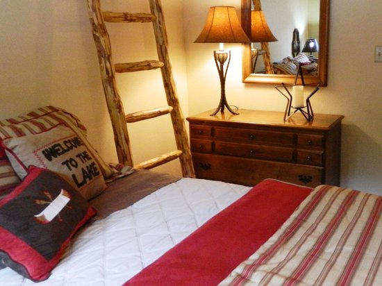 The Silver Lake Lodge : Lake Quivera Retreat