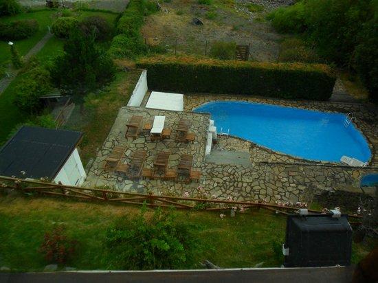 Costas del Nahuel Hosteria: vista de la pileta