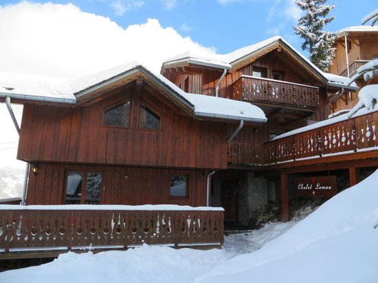 Snow Retreat : View of our lodge from outside