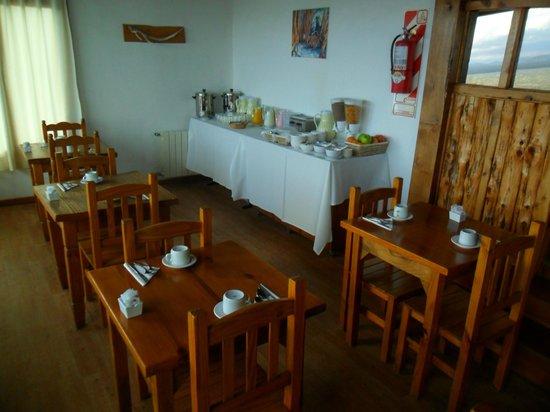 Costas del Nahuel Hosteria: desayuno (faltan las medialunas)