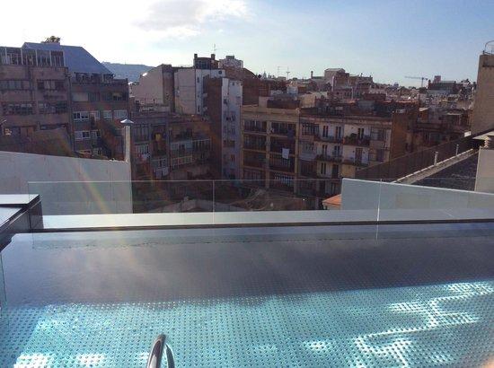 Hotel Olivia Balmes: Вид на внутренний дворик