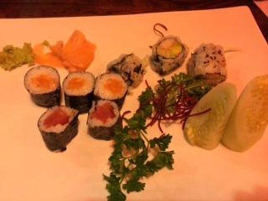 Red Bowl Asian Bistro: Sushi