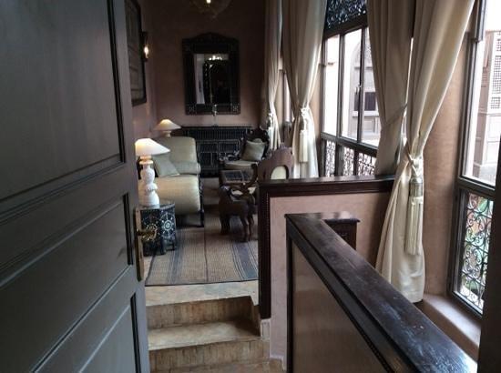 Riad Noir d'Ivoire: Gueppard suite's living room.
