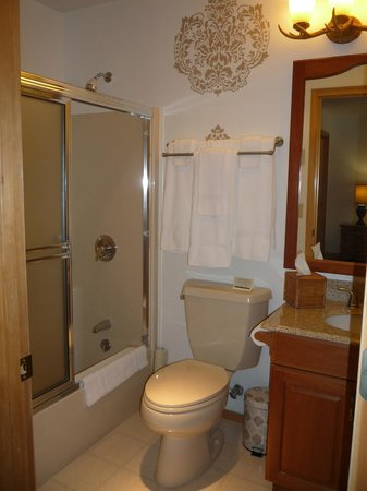 "Meadow Lake View Bed and Breakfast : The Cottonwood ""Ensuite"""