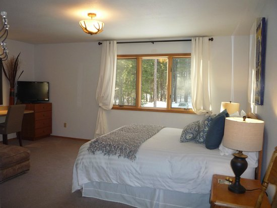 """Meadow Lake View Bed and Breakfast: The """"Juniper Suite"""""""