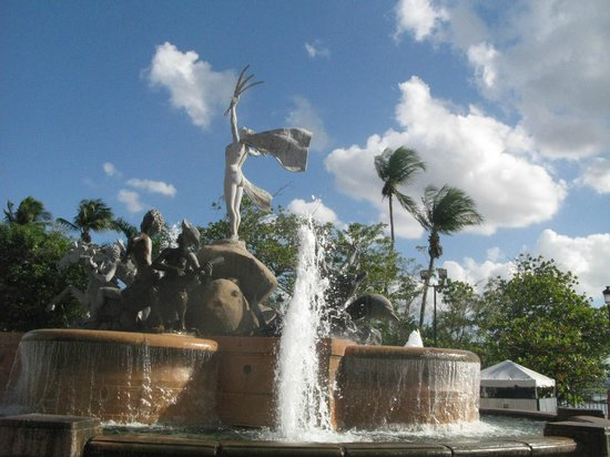 Paseo de la Princesa : Fountain