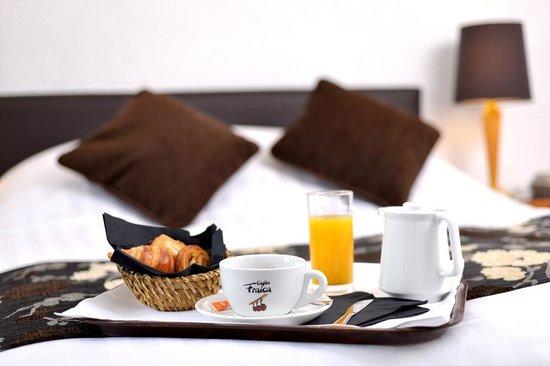 Hôtel d'Angleterre : Petit déjeuner en Chambre