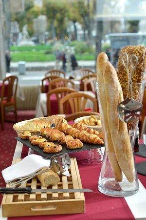 Hôtel d'Angleterre : Buffet Petit déjeuner