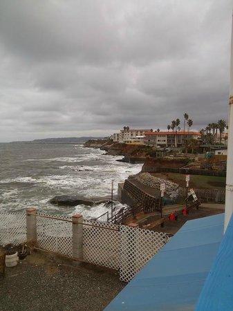 The Inn at Sunset Cliffs: View from seaside decks