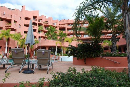 Sheraton La Caleta Resort & Spa, Costa Adeje, Tenerife: Hotel from pool area