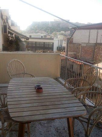 AthenStyle Hostel: Vista do quarto