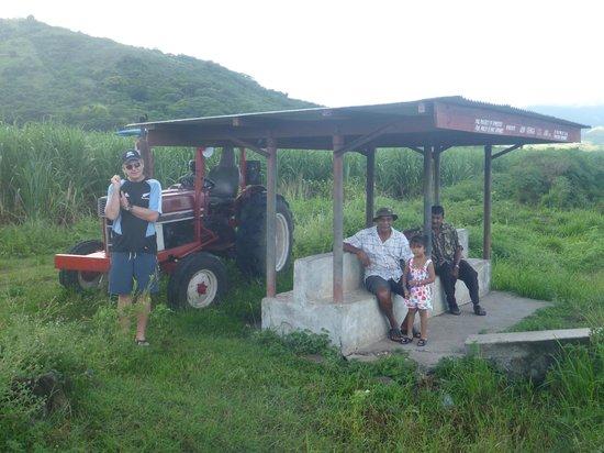 Volivoli Beach Resort Fiji: Bus stops on the way from Nadi to Rakiraki