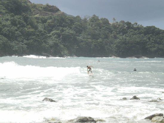 Camburizinho Beach : Surf