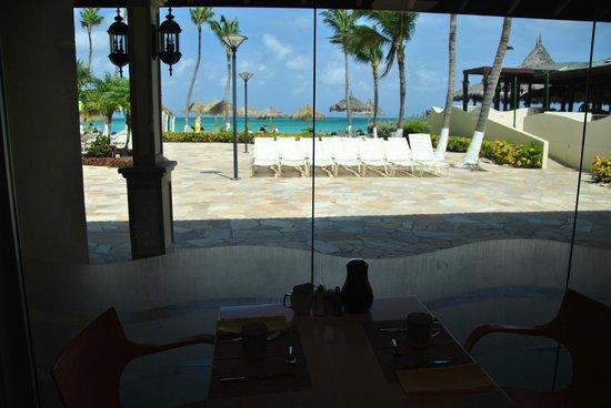 Holiday Inn Resort Aruba - Beach Resort & Casino: Desde restaurante Corals (dónde se desayuna)