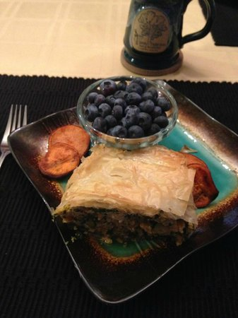 Spirit Tree Inn Bed and Breakfast: Breakfast day 2 - puff pastry, spinach, chicken chorizo, sweet potatoes and blueberries