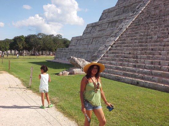 Tours Cancun .org : EN CHICHEN ITZA