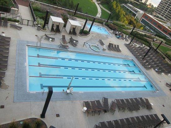 Radisson Blu Aqua Hotel: Pool