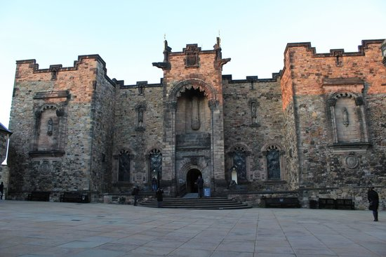 Edinburgh Castle: Outside view from the Scottish War Memorial (it is not allowed to take pictures inside)