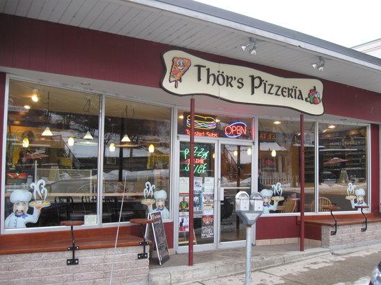 Thor's Pizzeria: Outside Thor's