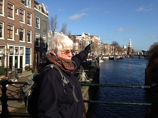 Jewish History Walking Tour: Jeanette at the start of the tour