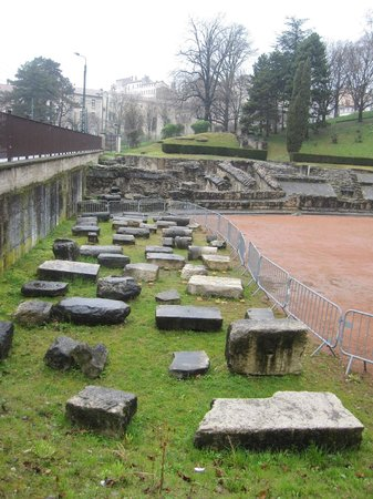 Amphithéâtre des trois Gaules : Recinto.