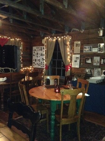 Bearcat Stables: Dinner In The Cabin