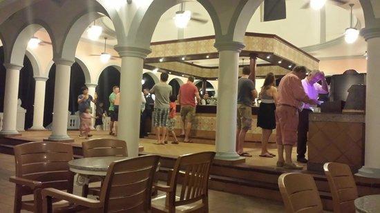 ClubHotel Riu Bambu: Bar area