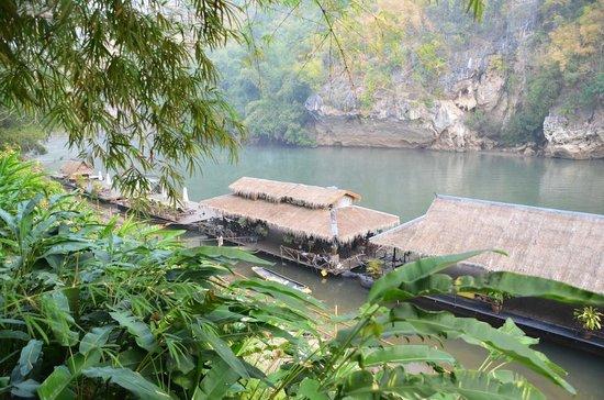 River Kwai Resotel : la banchina vista dall'hotel
