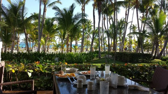 ClubHotel Riu Bambu: View from breakfast table outside